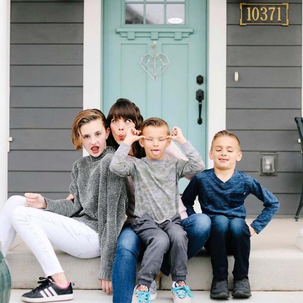 Kids pose with silly expressions | South Jordan, Utah